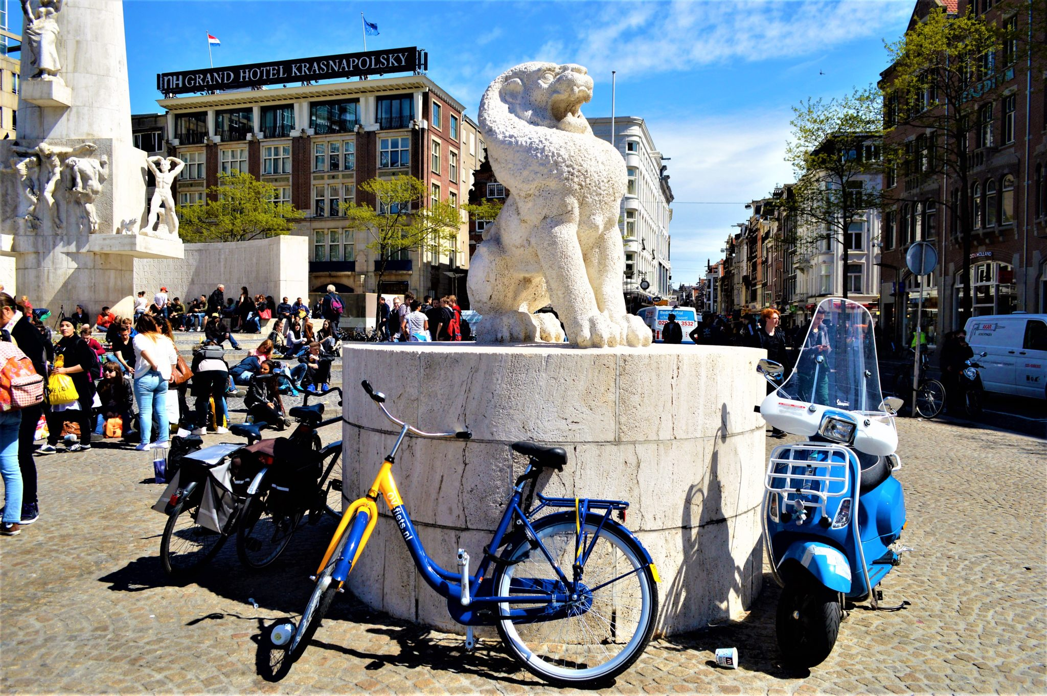 Statue and bikes in Dam Square, Amsterdam