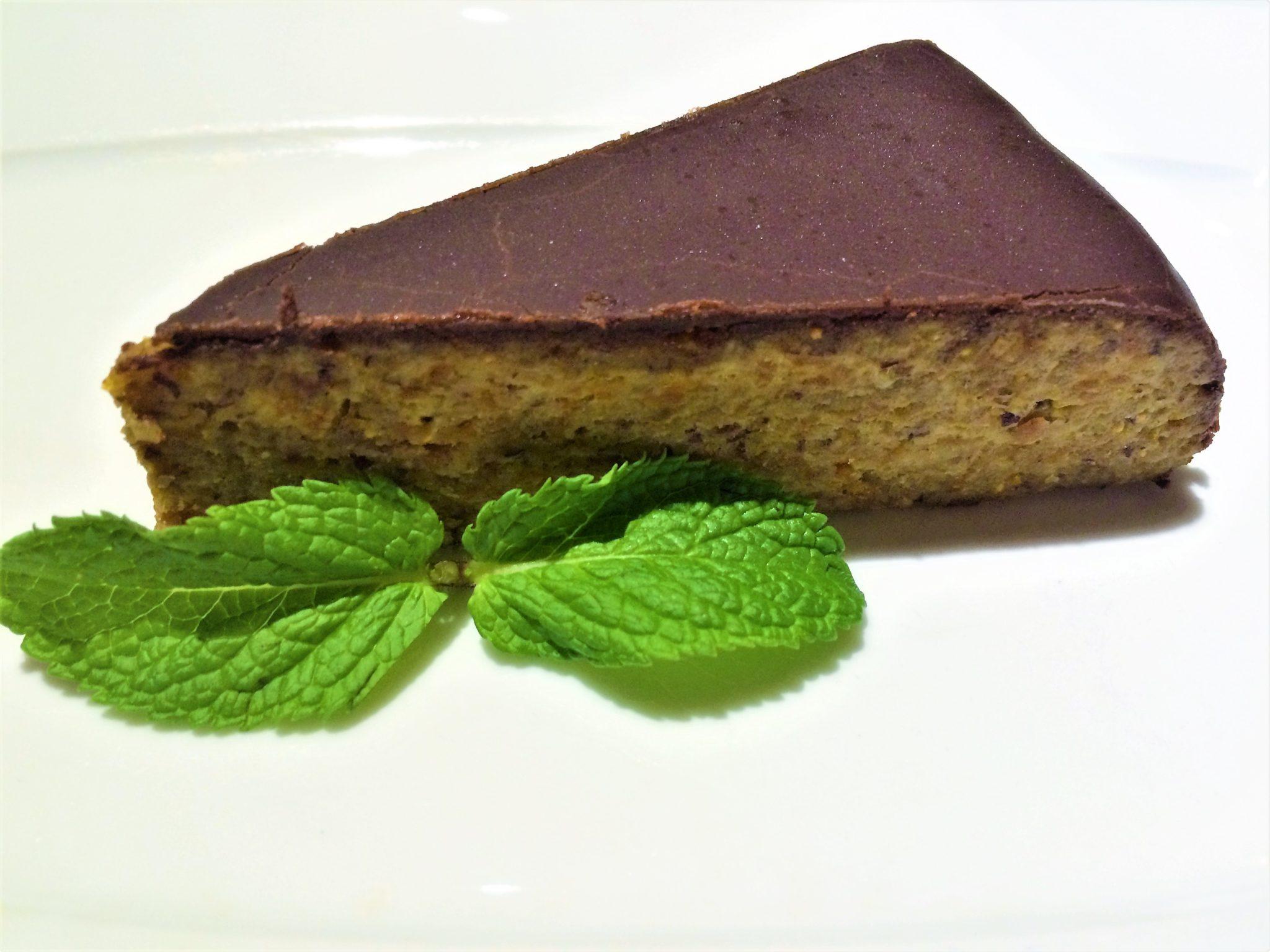 Avocado cafe Moscow raw chocolate cake