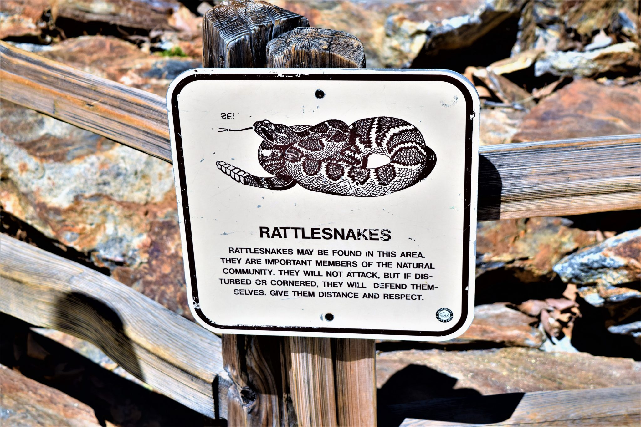 Rattlesnakes sign, Popp park, Palm Springs tramway, California