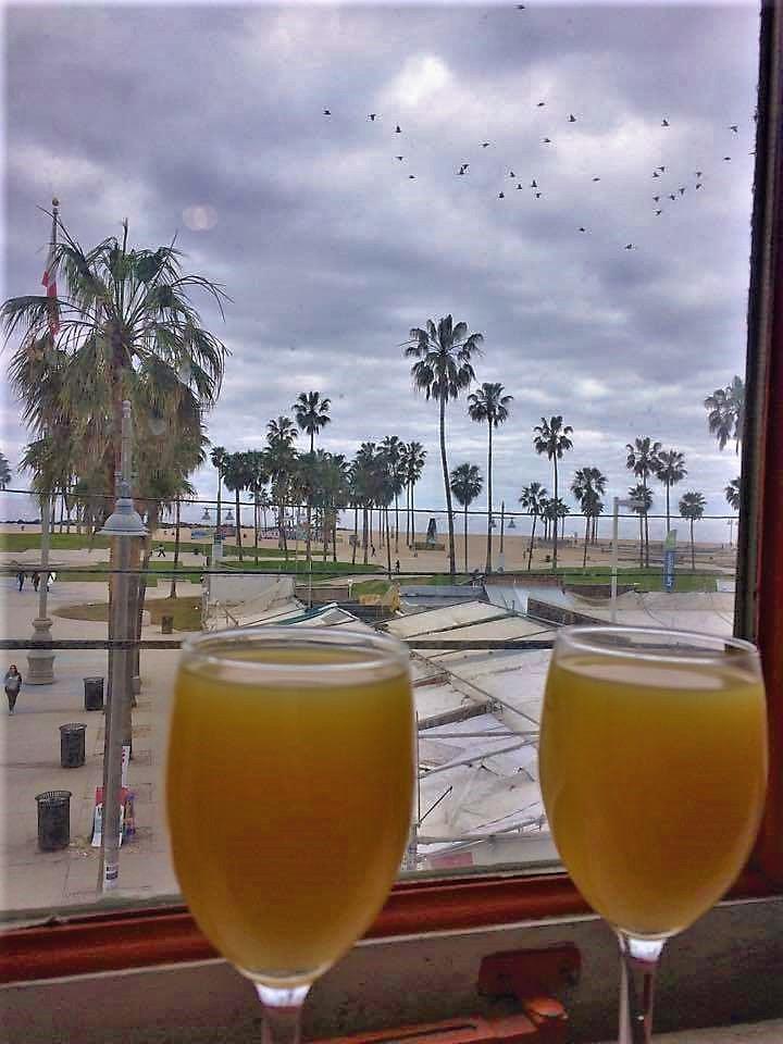 Breakfast included, Samesun Venice Beach hostel, Los Angeles, California
