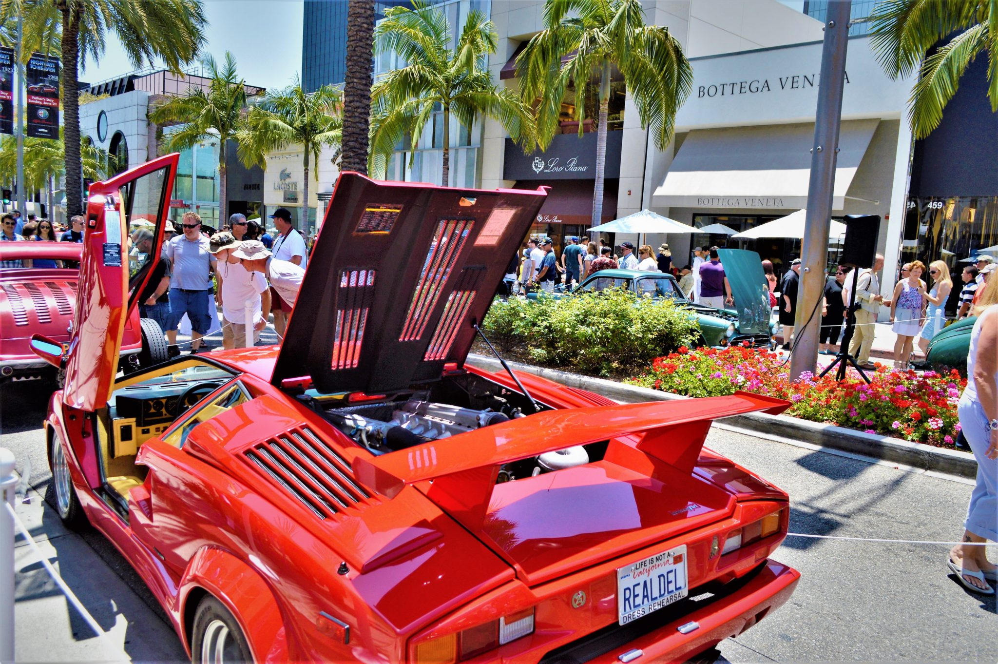 Flash car, Rodeo Drive, Beverly Hills, things to see in los angeles