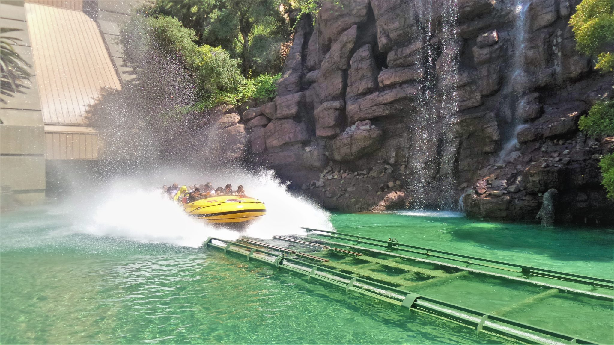 Jurassic park water ride universal studios hollywood attractions