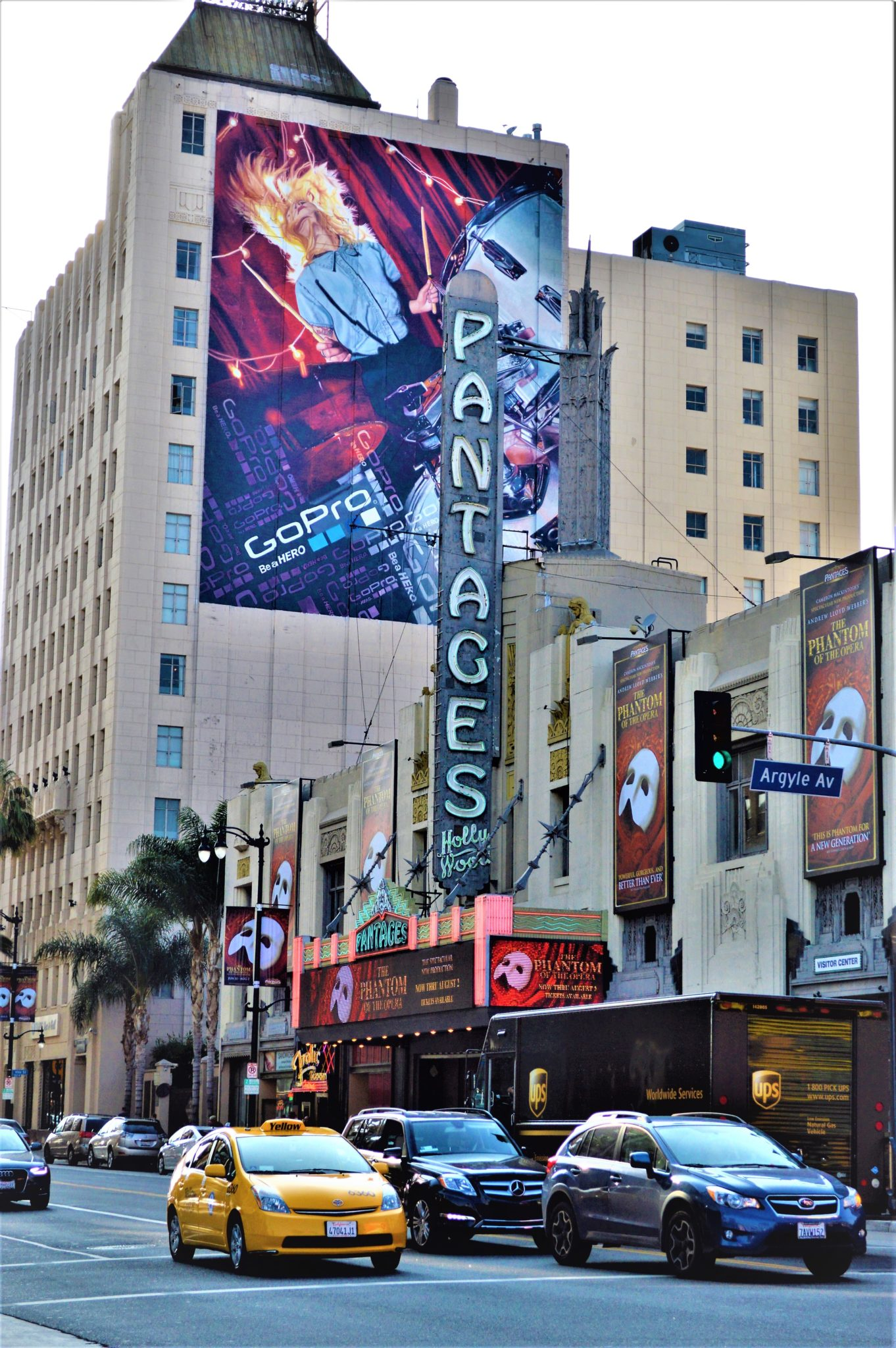Pantages Theater, Hollywood, hop on hop off bus los angeles
