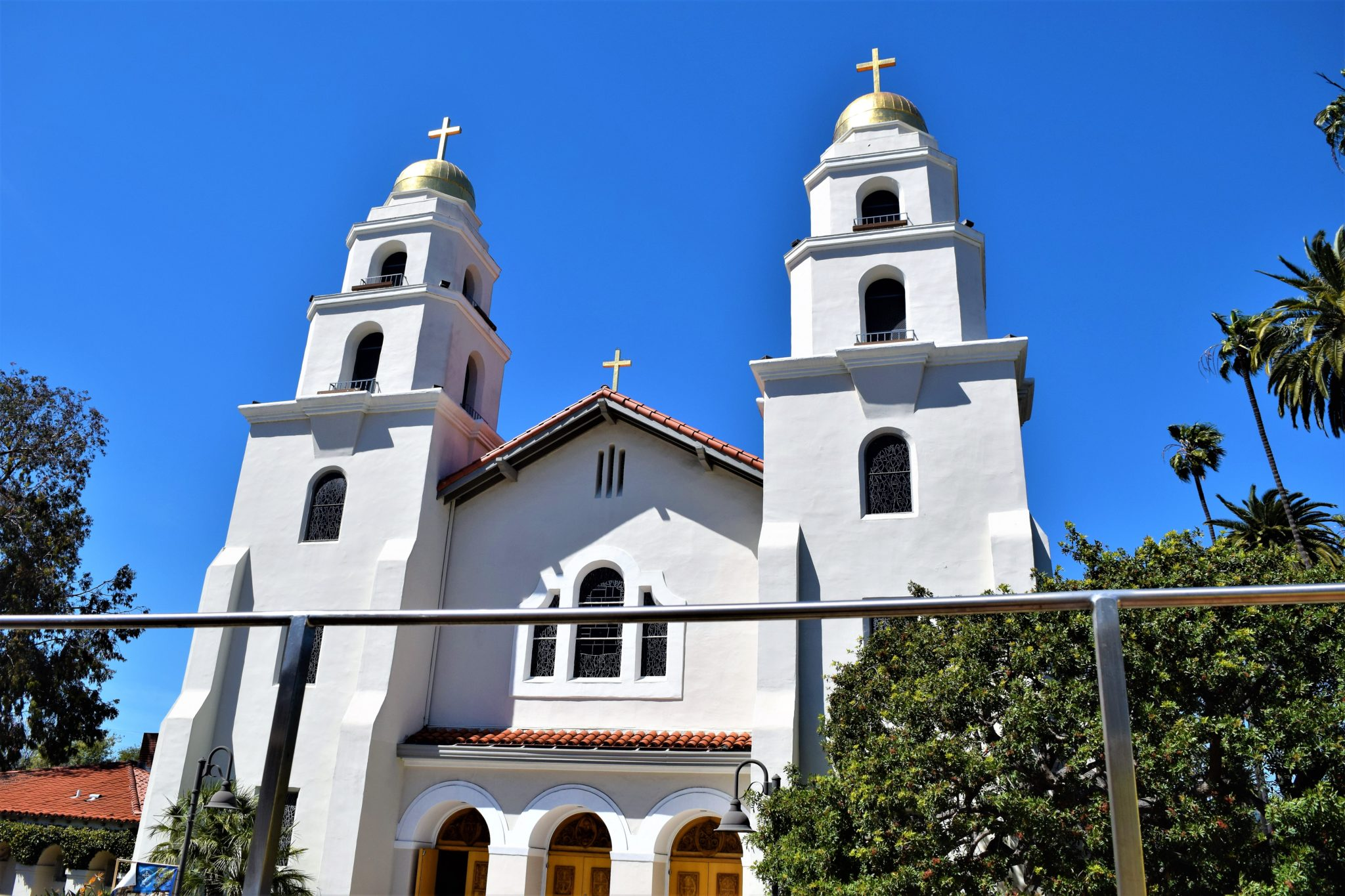 Cathedral Beverly Hills, hop on hop off bus los angeles