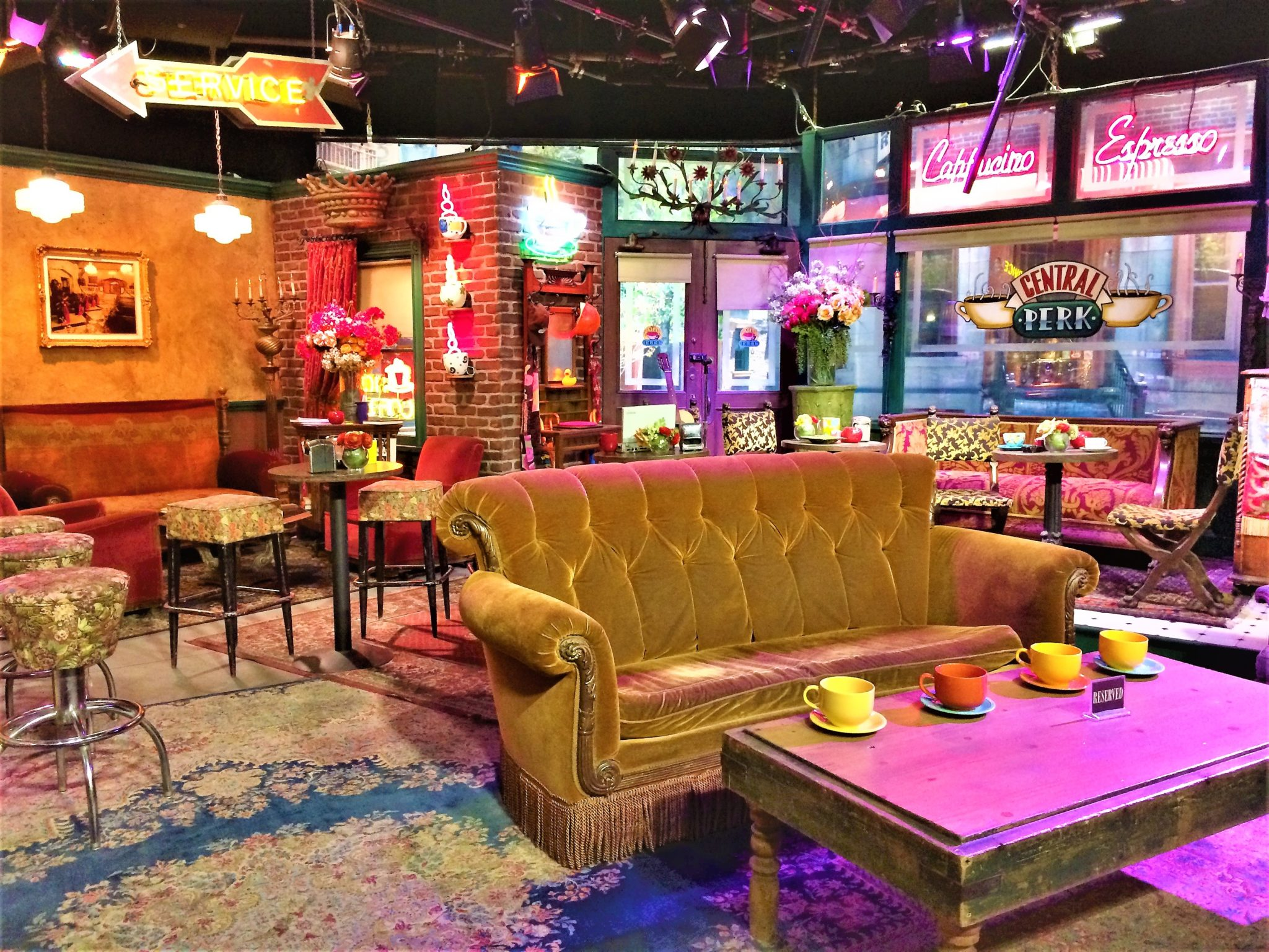 Central Perk Friends film set, Warner Brothers Studios, Things to do in Los Angeles
