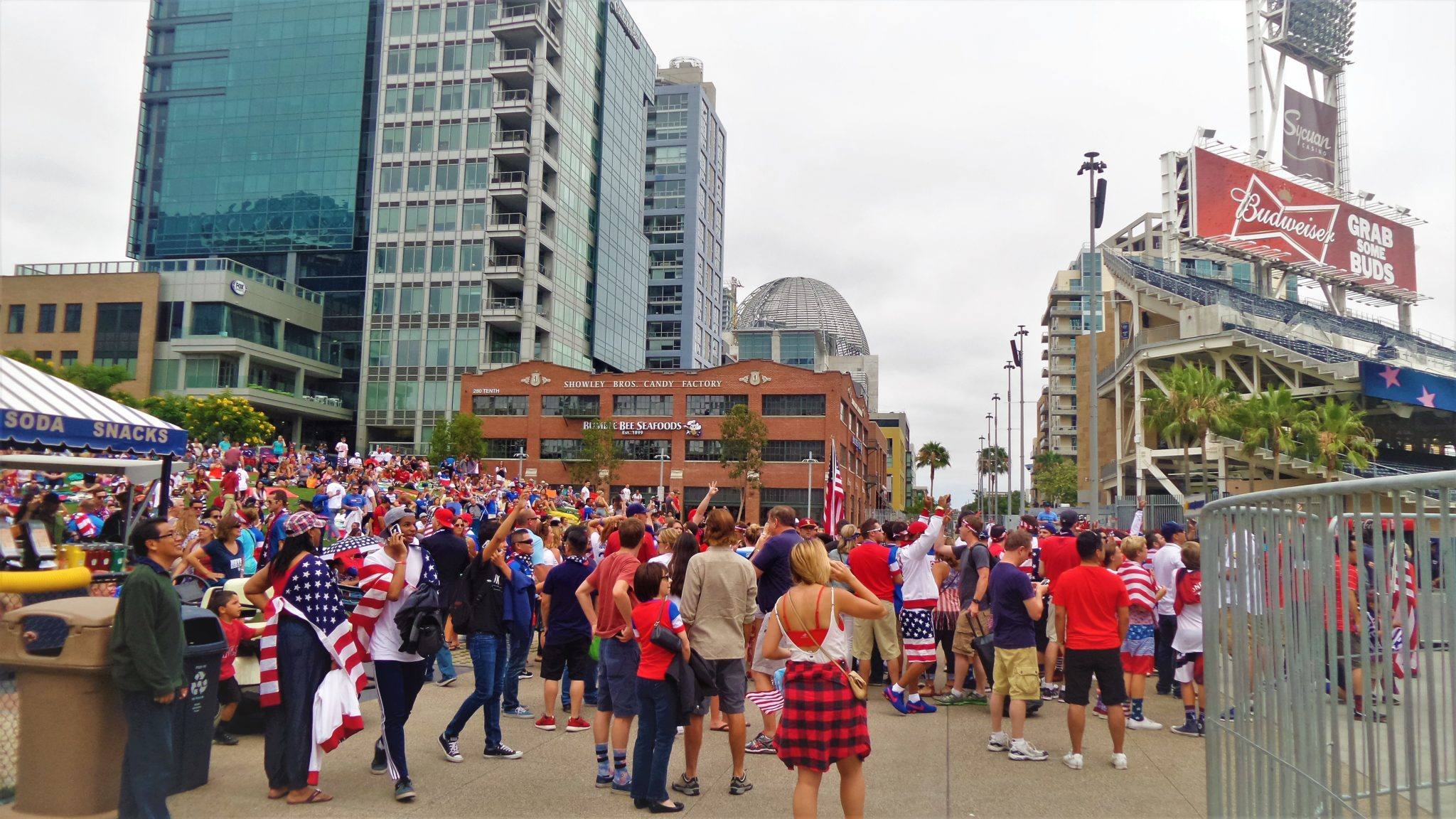 Crowd at 4th july celebrations in San Diego
