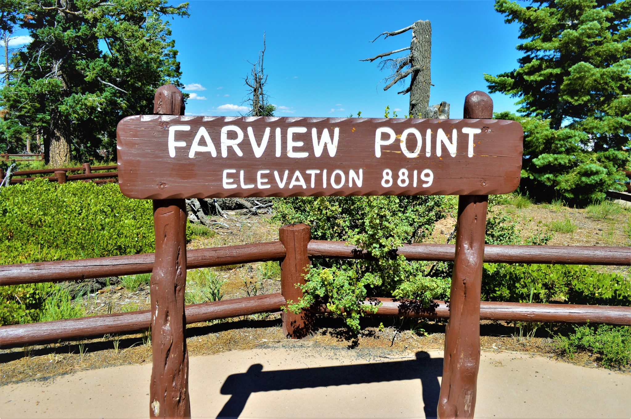 Farview Point sign, Bryce Canyon National Park, USA
