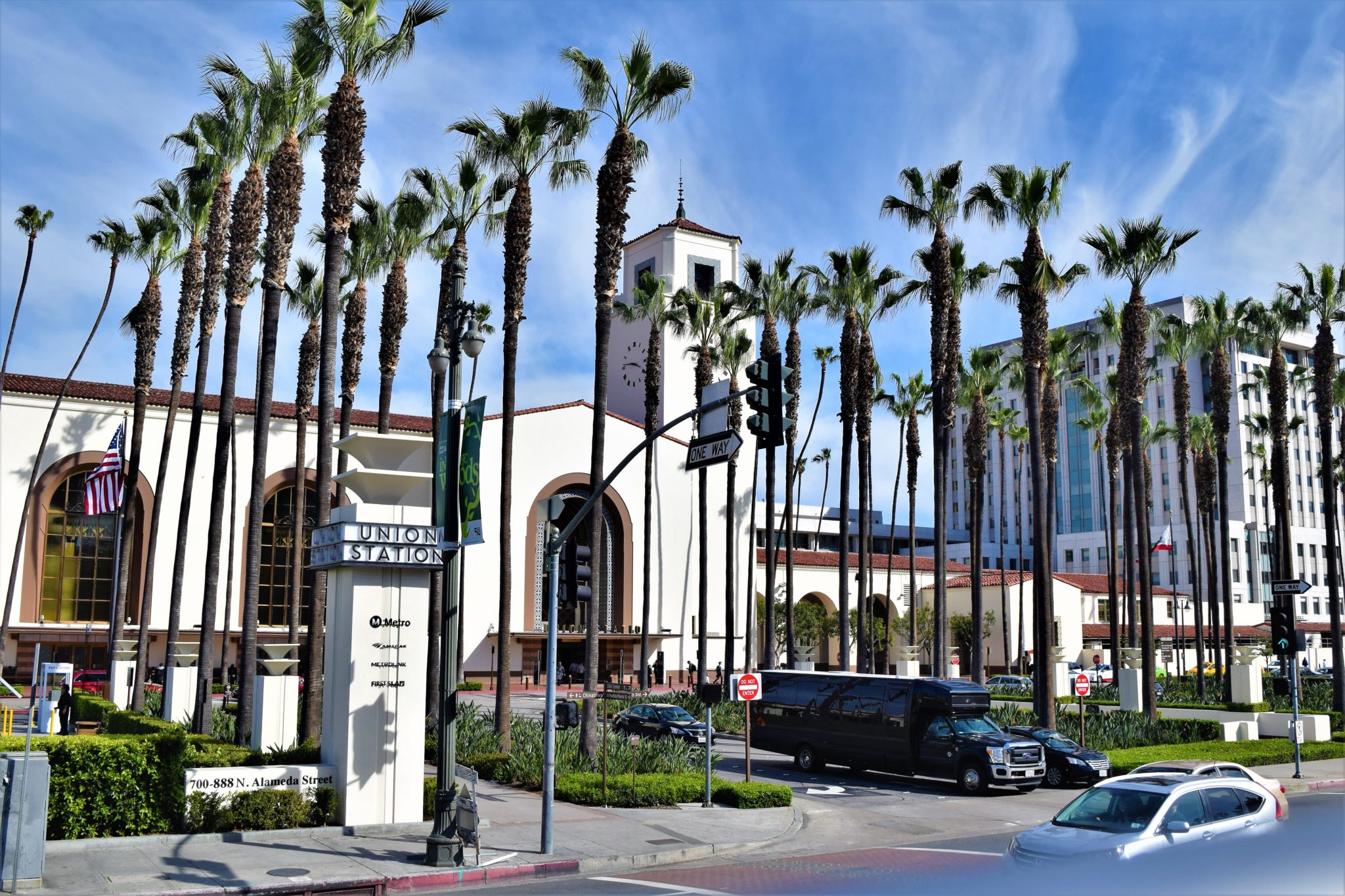 Union station palm trees, hop on hop off bus los angeles