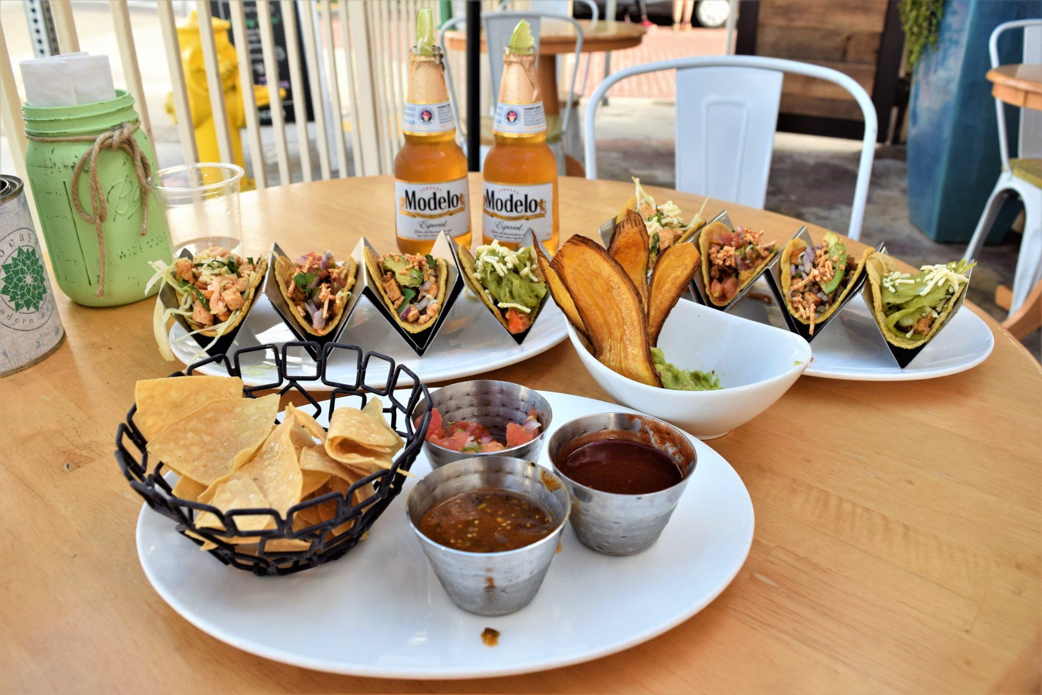 Vegan restaurants Los Angeles, Tocaya Organica, California, Venice Beach