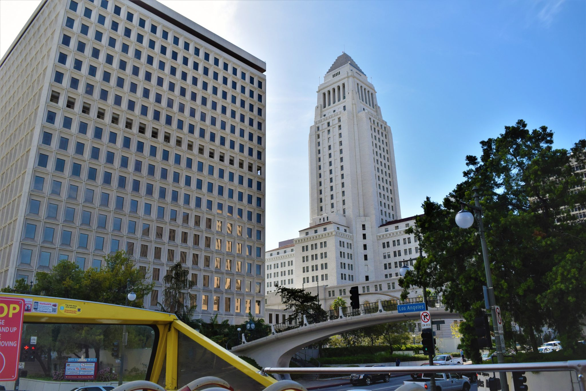 White building downtown los angeles, hop on hop off bus view