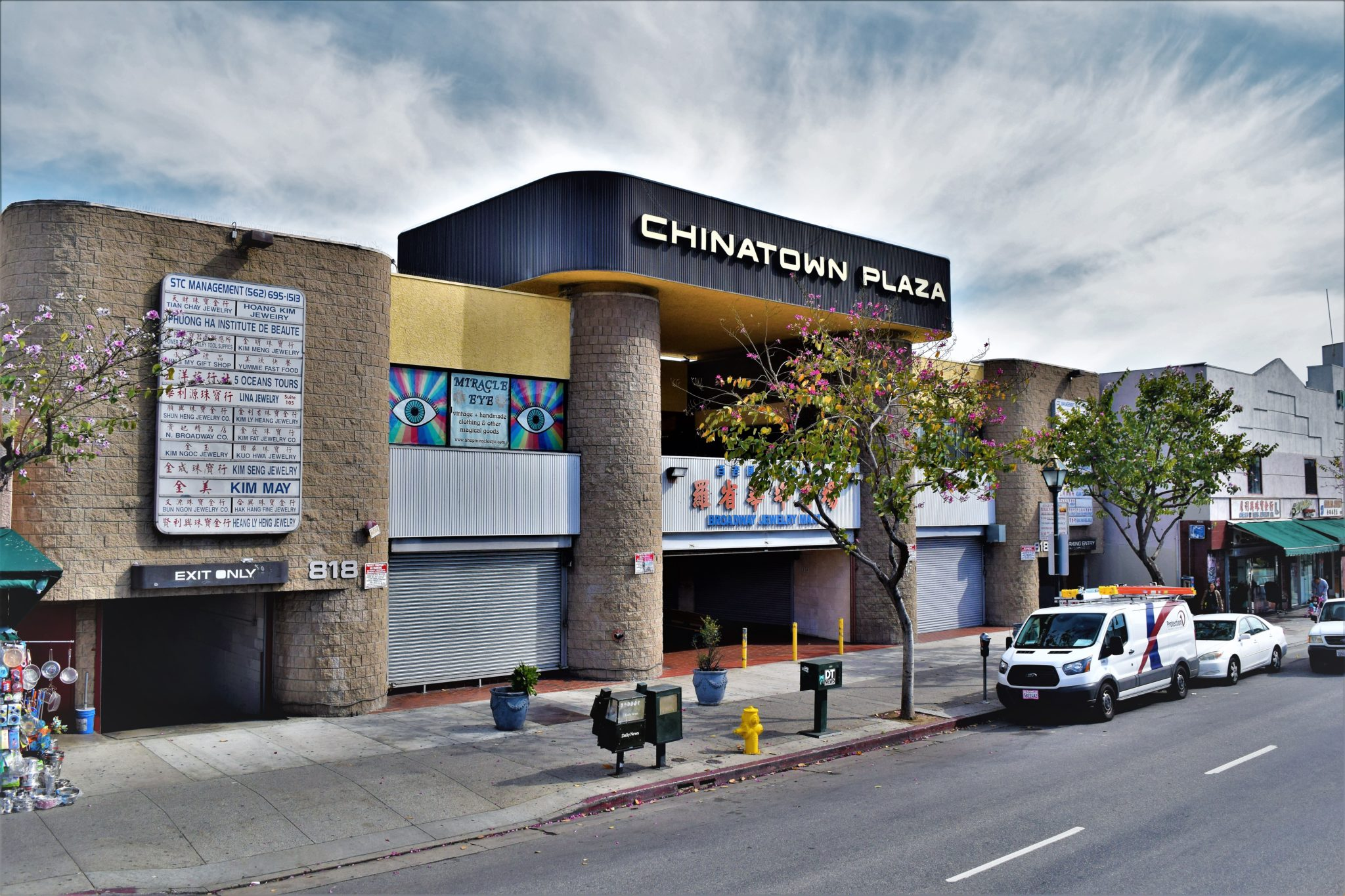 Chinatown Plaza, free things to do in Los Angeles, california
