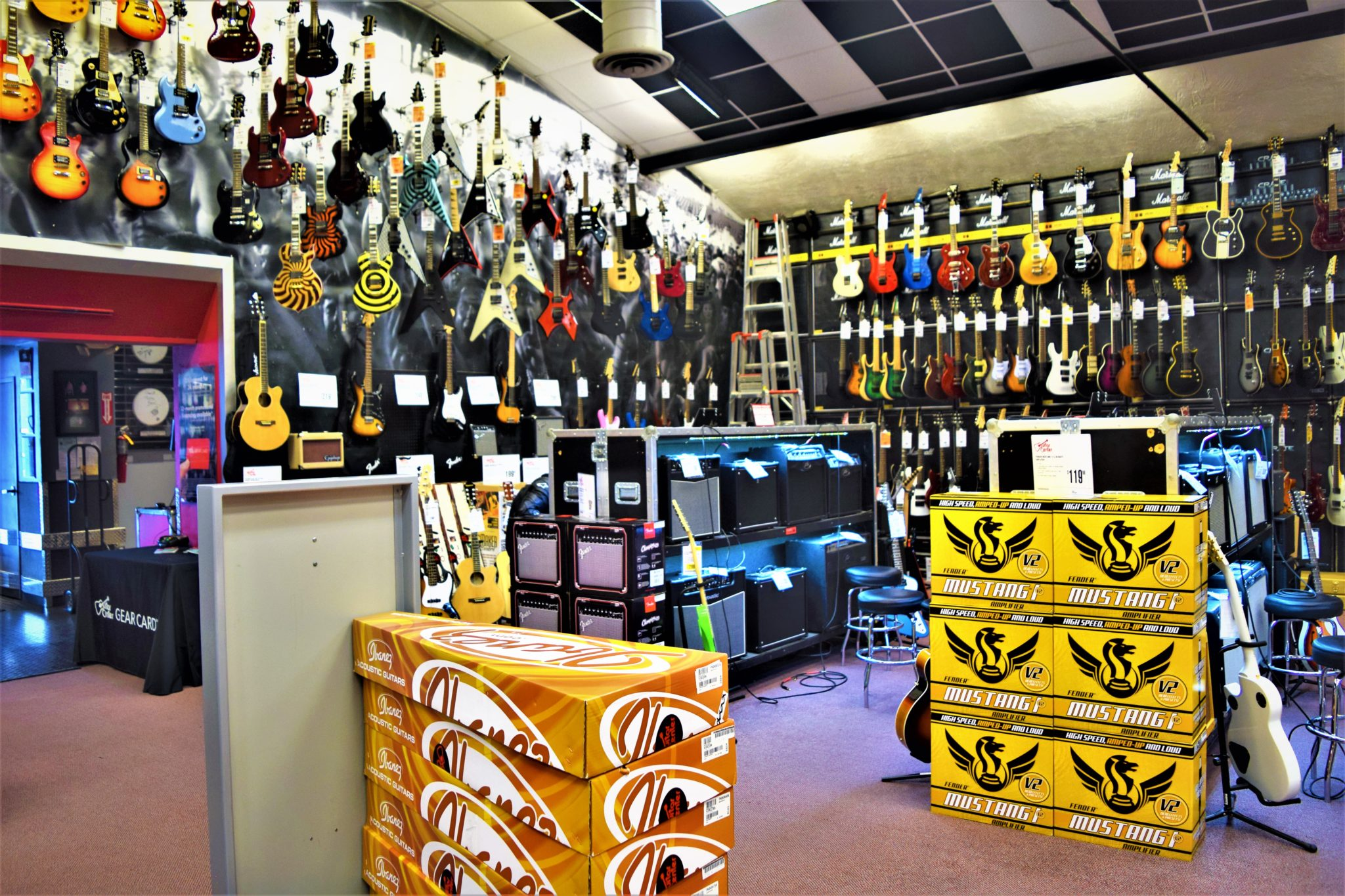Inside the Guitar center hollywood, free things to do in los angeles