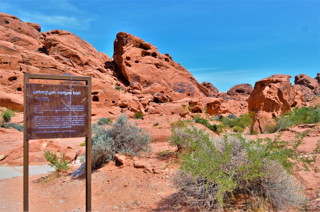 Petroglyph canyon trail, valley of fire state park, utah