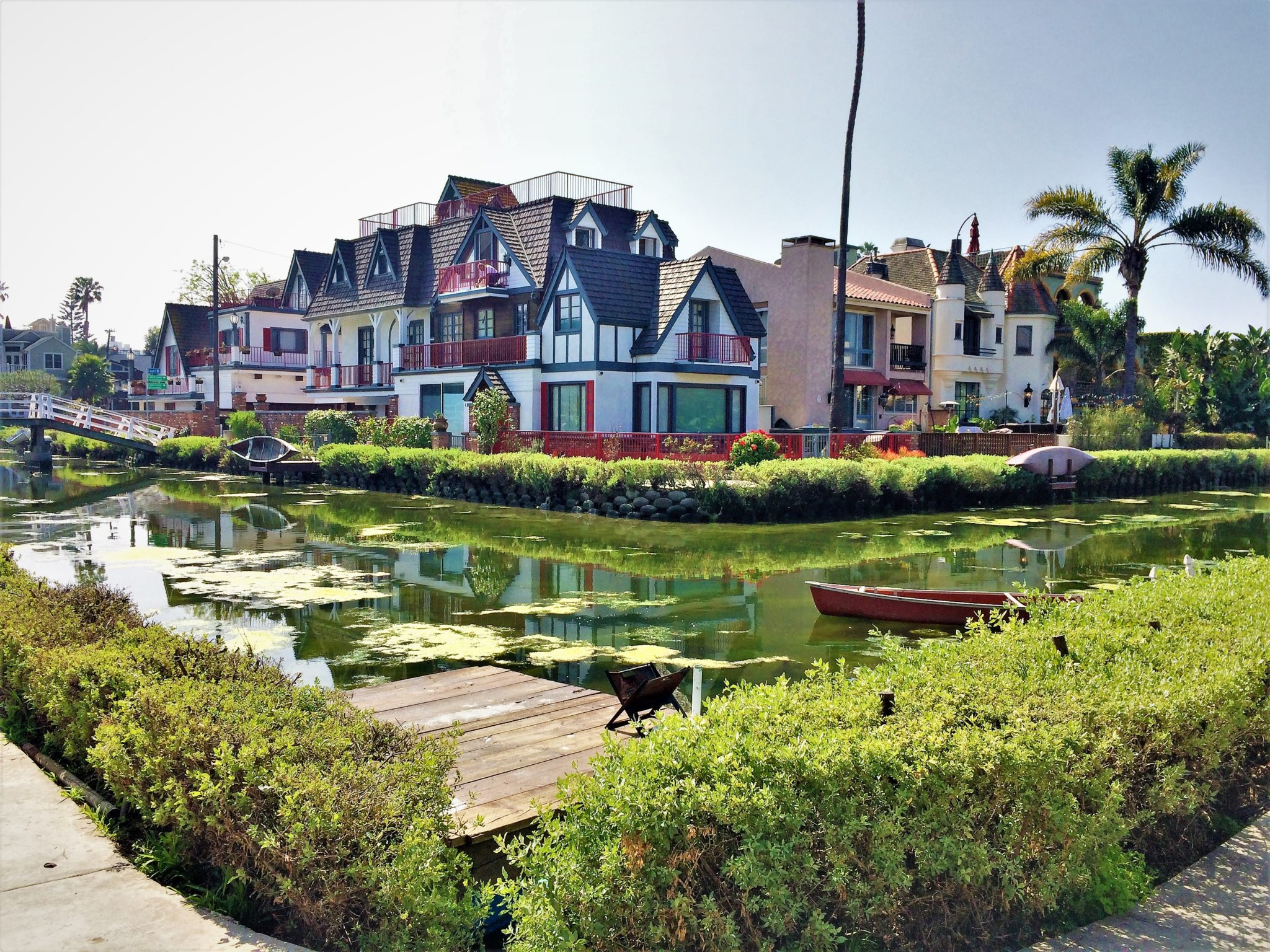 Venice canals fancy housing, free things to do in los angeles