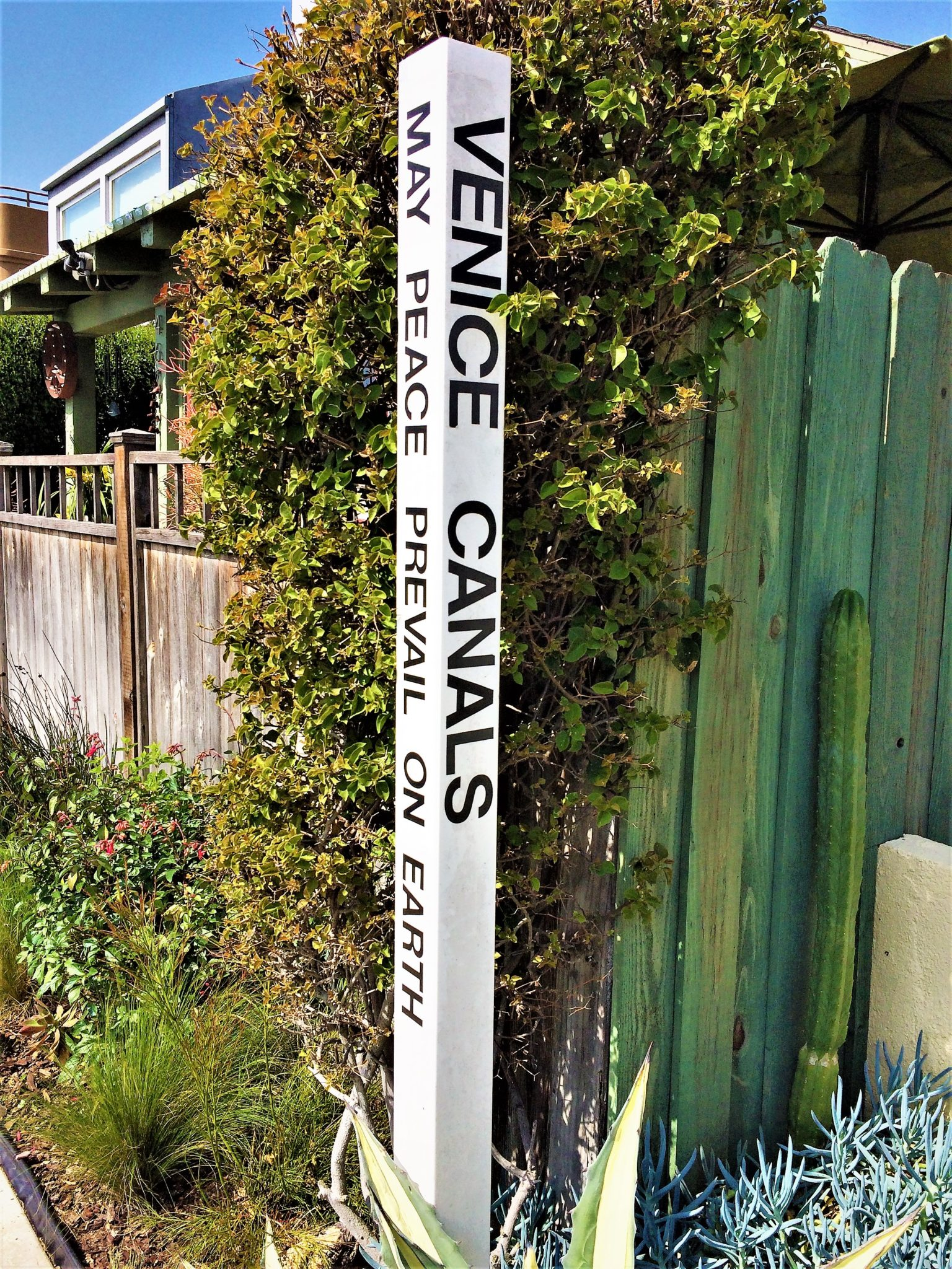 Venice canals sign, may peace prevail on earth, free things to do in los angeles, california
