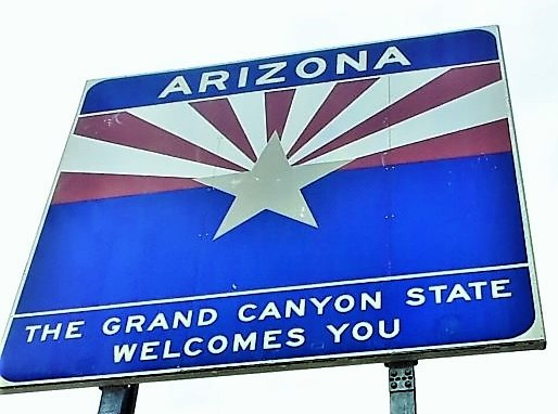 Arizone-state-sign-near-hoover-dam-las-vegas-nevada