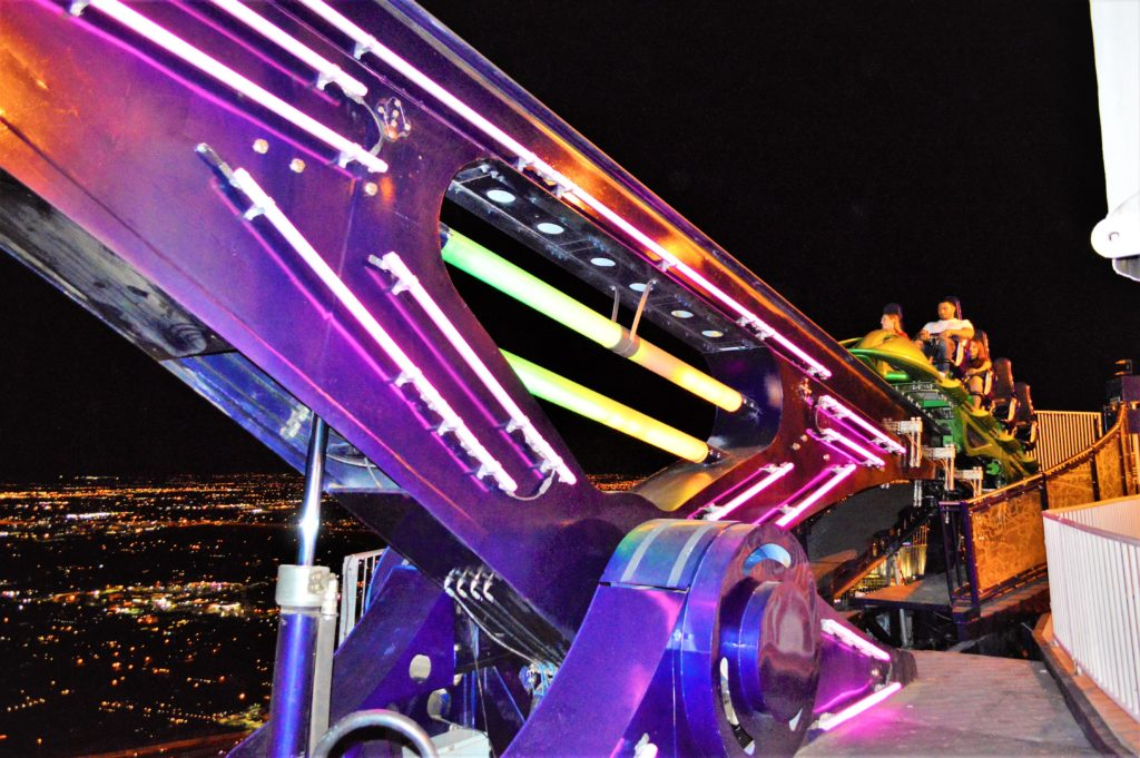 Ride dangling of edge, stratosphere, las vegas