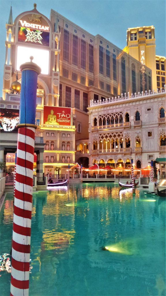 Venetian hotel at night, las vegas