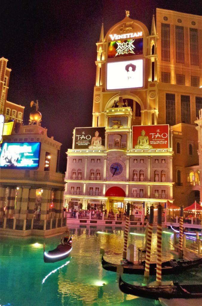 Venetian hotel, Las vegas, gondolas