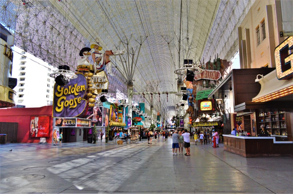 World's largest video screen, fremont street, las vegas