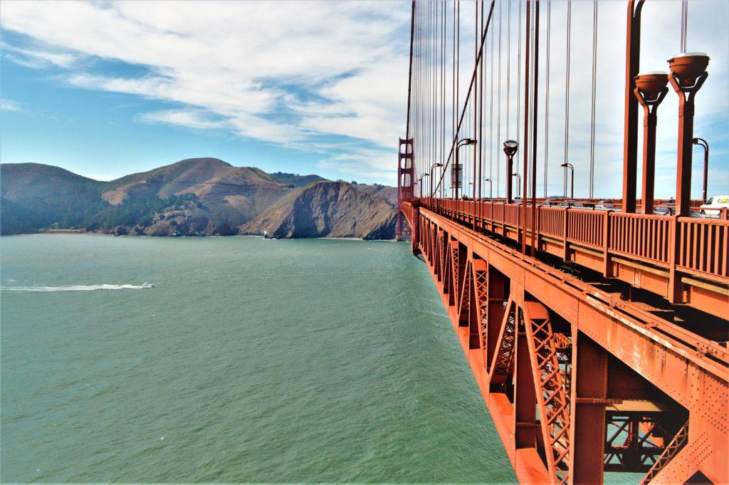 Cycling Golden Gate Bridge, San Francisco, USA