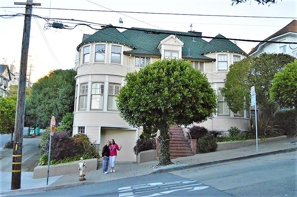 Outside Mrs Doubfire home, San Francisco