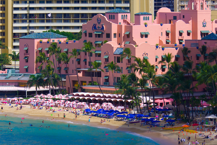 Beach Front Hotels In Kahanamoku Oahu