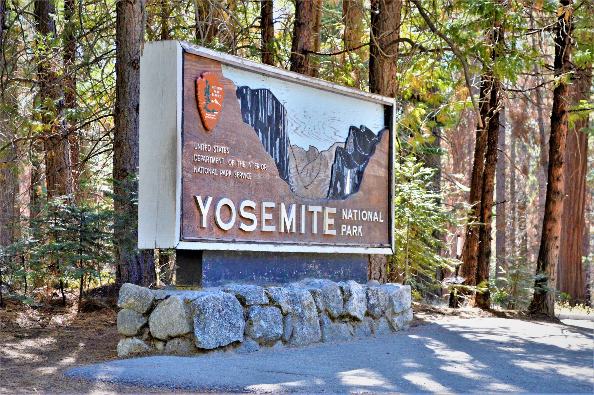 Welcome to Yosemite National Park sign, California, things to do at yosemite