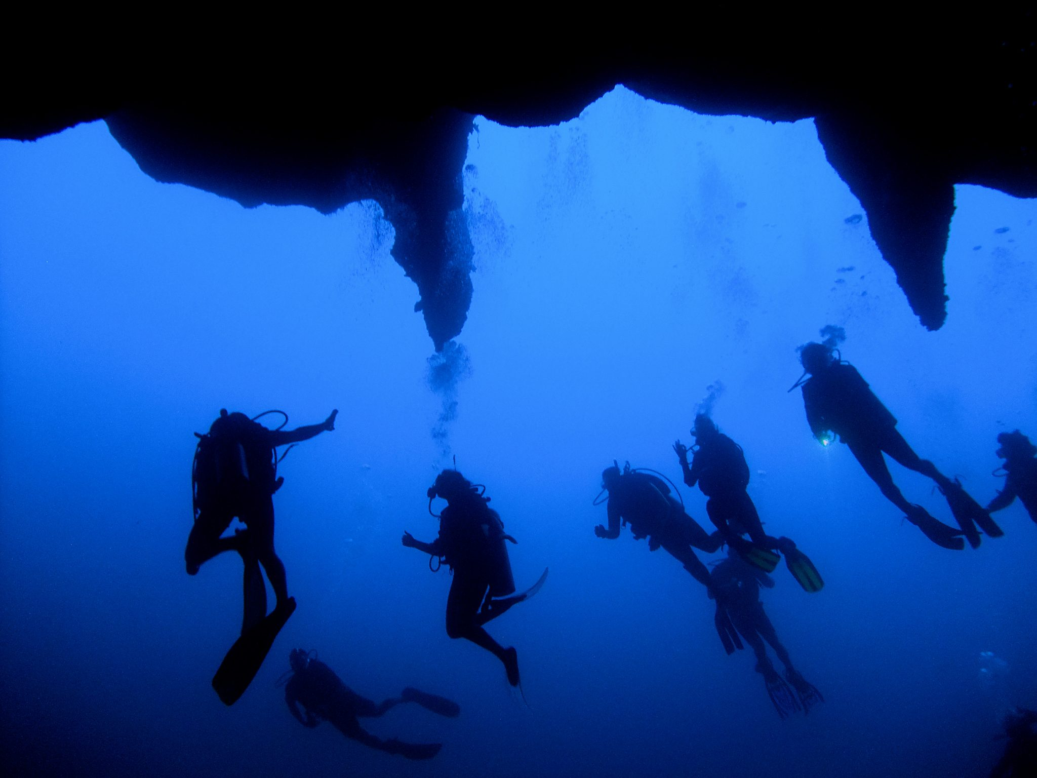 Best diving sites in the world, GREAT BLUE HOLE