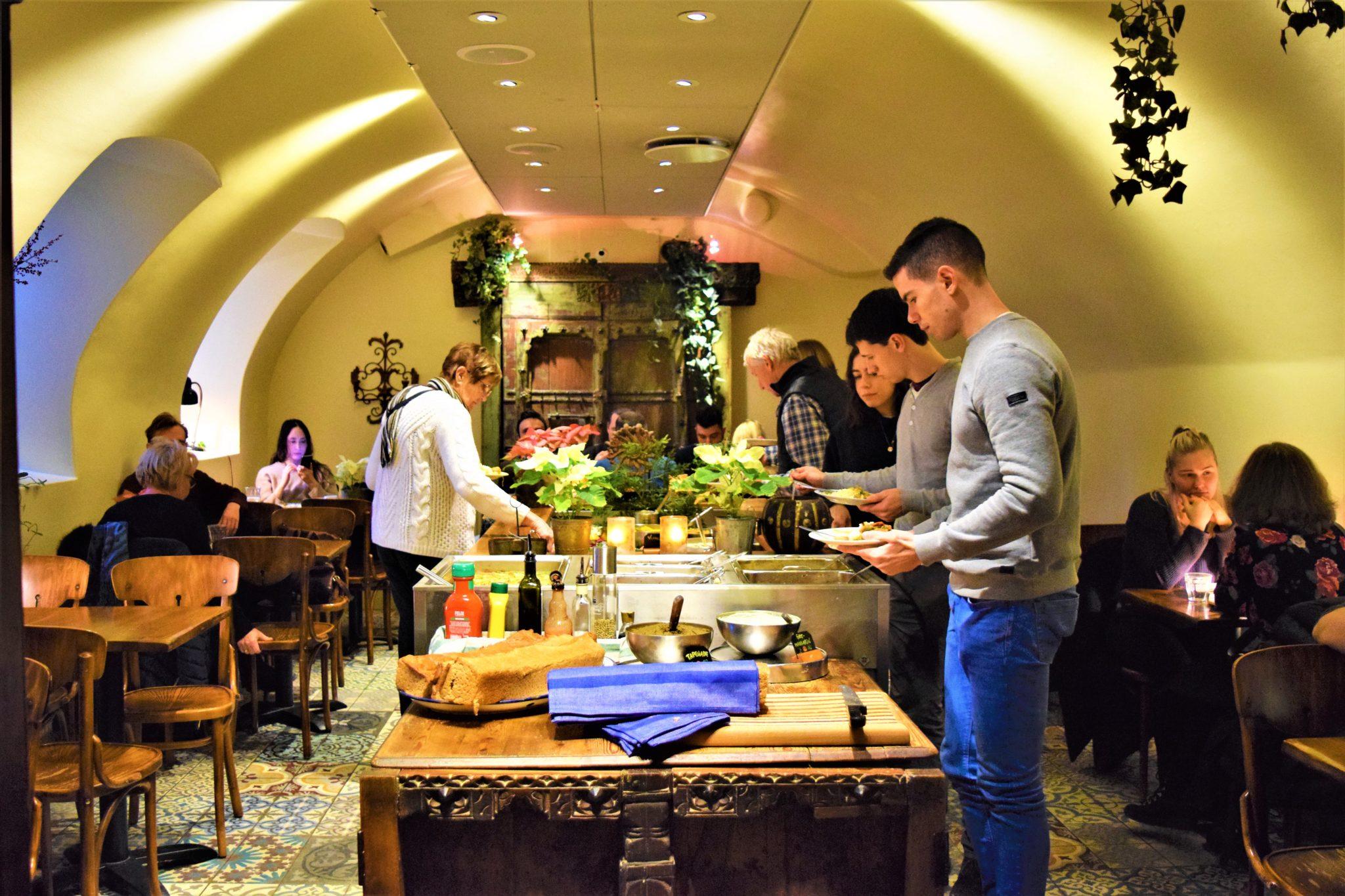 Hermans vegan buffet, stockhom, sweden