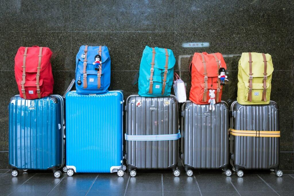 Essential Travel Items For Guys