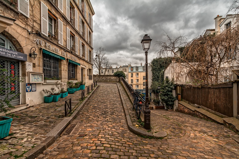 tips for visiting paris france